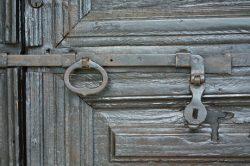 porte ancienne en Italie